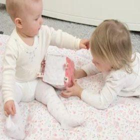 Címkeimádó babáknak
